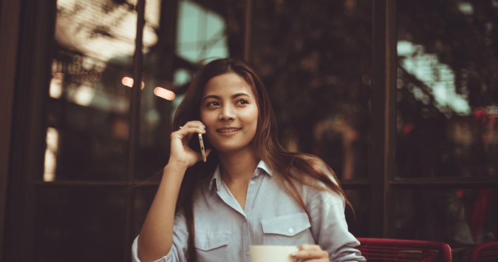 indonesian girl calling on phone