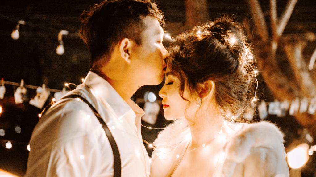 singaporean couple met online