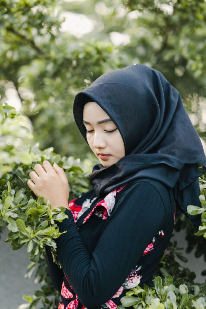 beautiful malaysian woman